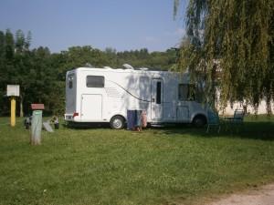 Camping car au Lac Vert à Doulcon
